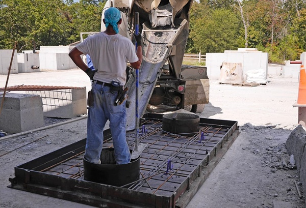 grease trap lid pour