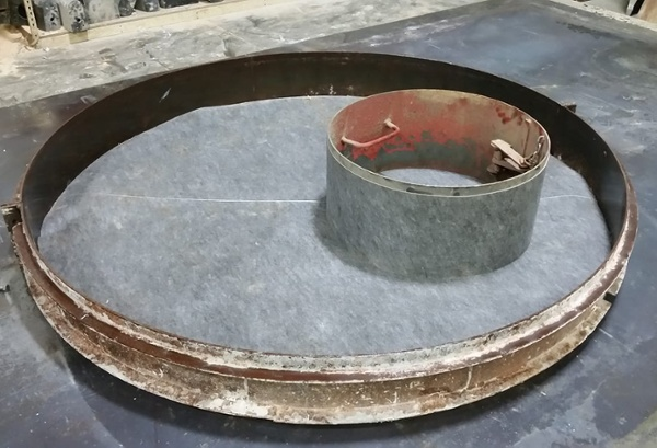 Liner on Precast Manhole Cover Form